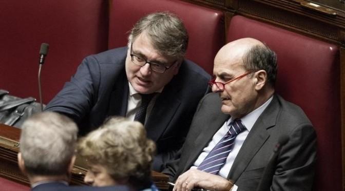 Roma 29/01/2015, Camera e Senato in seduta congiunta per la prima votazione per l'elezione del Presidente della Repubblica. Nella foto Miguel Gotor e Pier Luigi Bersani