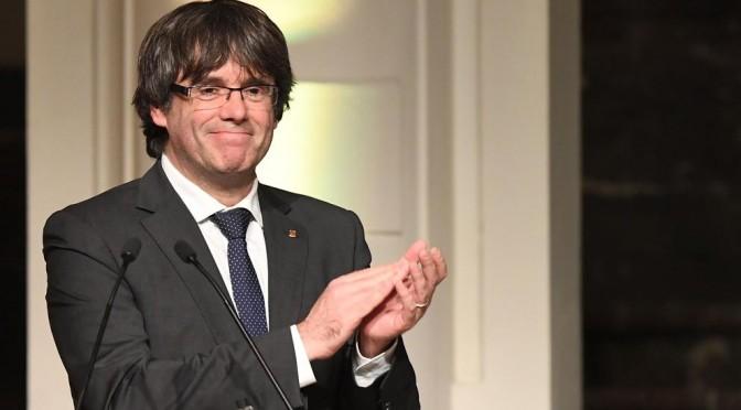 A Barcellona vincono gli indipendentisti, l'ONU censura Trump, Renzi candida Boschi