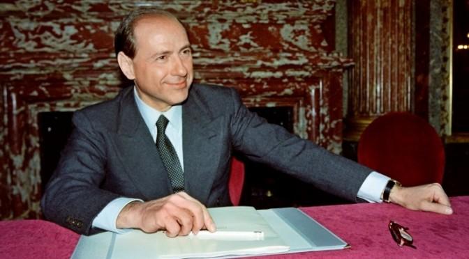 Berlusconi, uno e trino, si riprende la scena