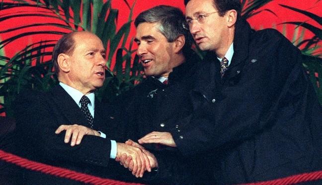 Prodi sceglie Renzi, Casini salva Boschi