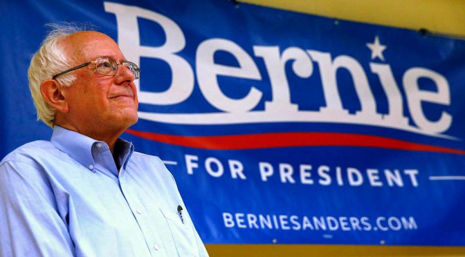 Sanders vince, Clinton stenta